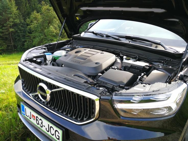 140 kW (190 KM). 1969 ccm 4 valjni dizel