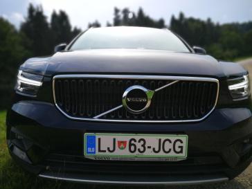 Značilna Volvova maska in svetlobni podpis